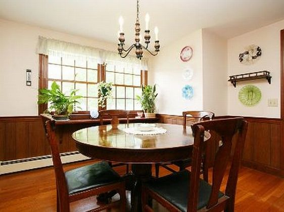dining staged
